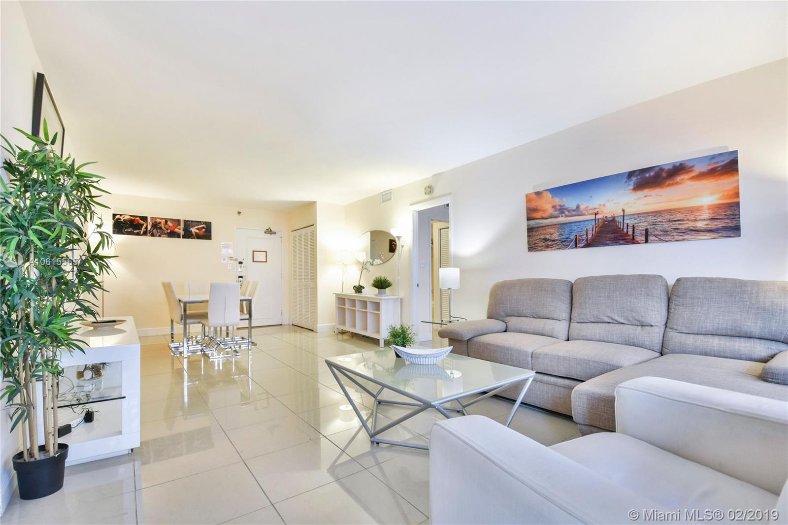 5225 Collins Ave #411 photo04