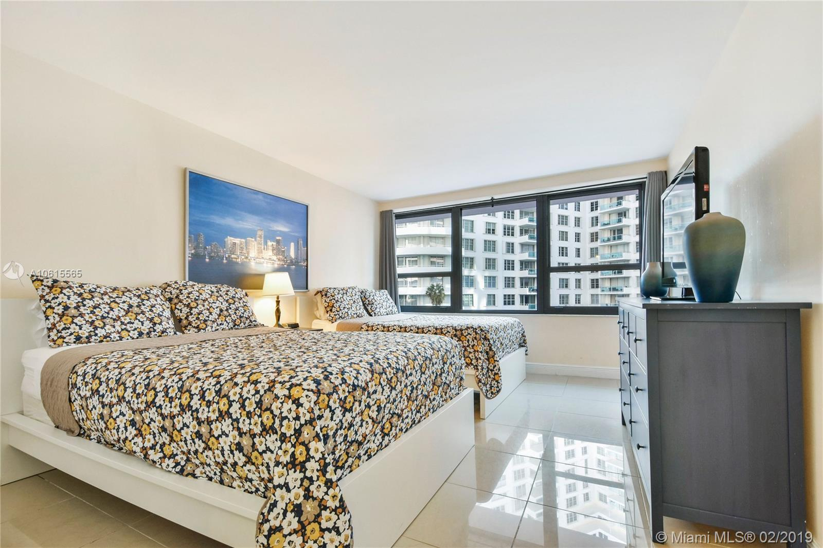 5225 Collins Ave #411 photo07