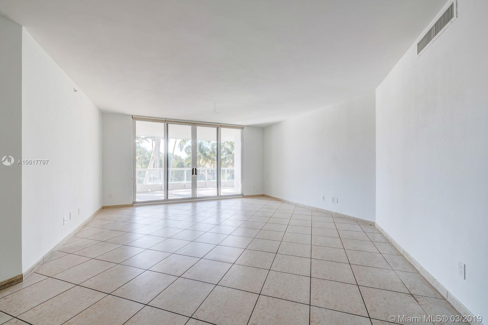 Property 21050 NE Point Pl #306 image 7