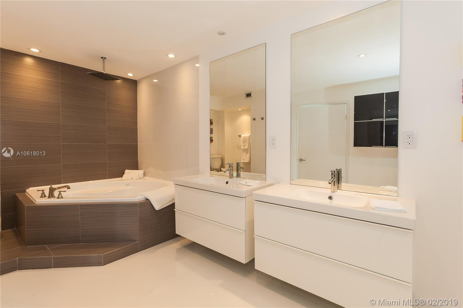 5161 Collins Ave #1718 photo019