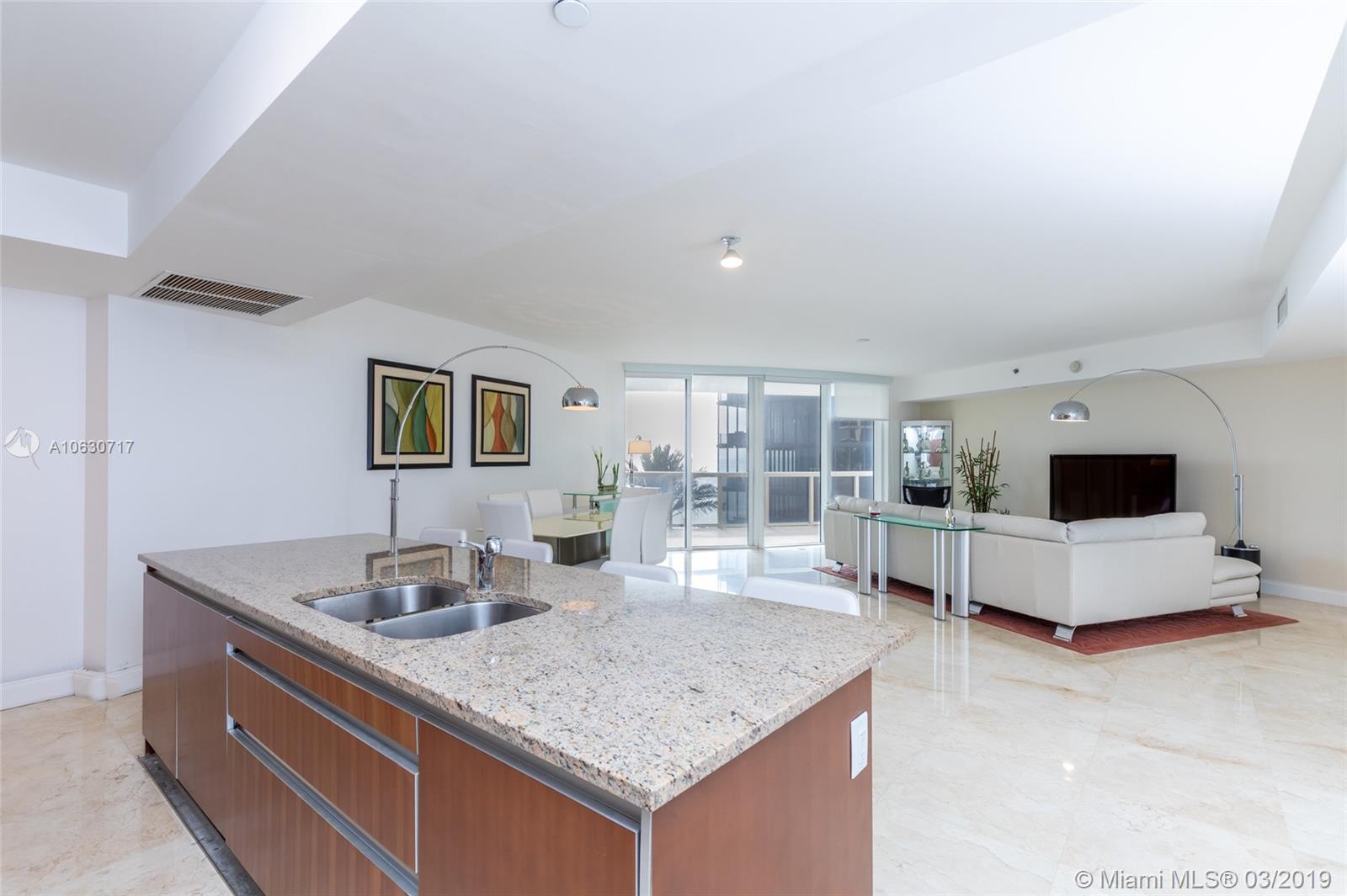 17201 Collins Ave #704 photo014