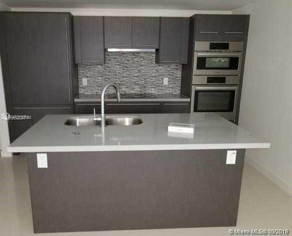 7661 NW 107 AVE #602 photo05