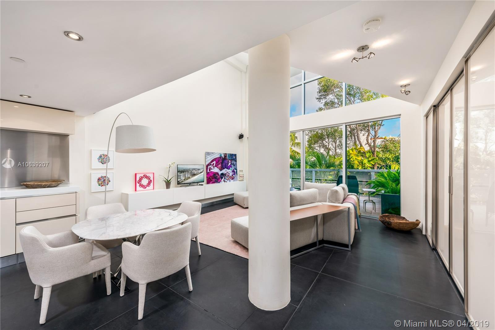 221 Jefferson Ave, 13 - Miami Beach, Florida