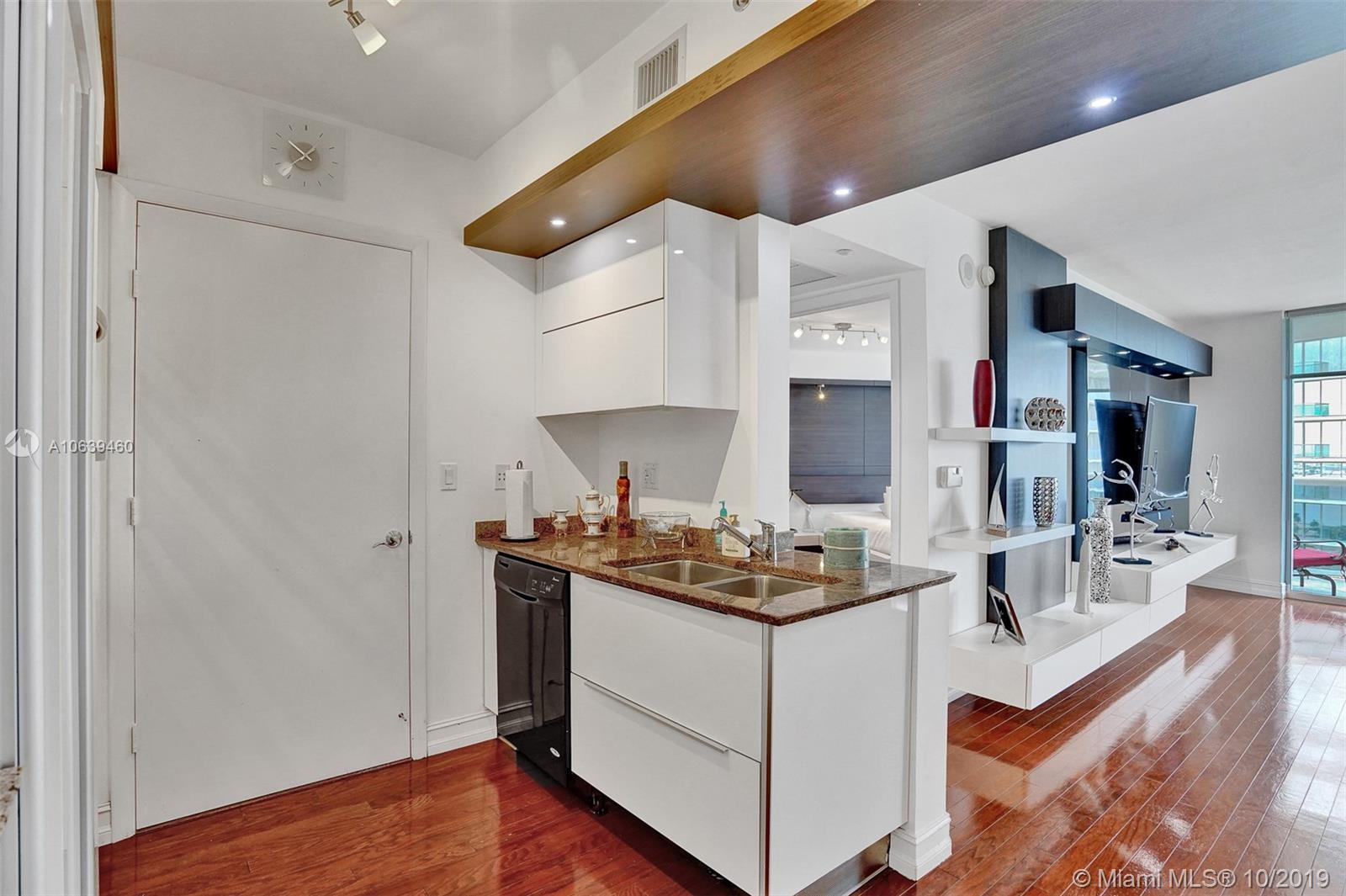 18911 Collins Ave #2102 photo014