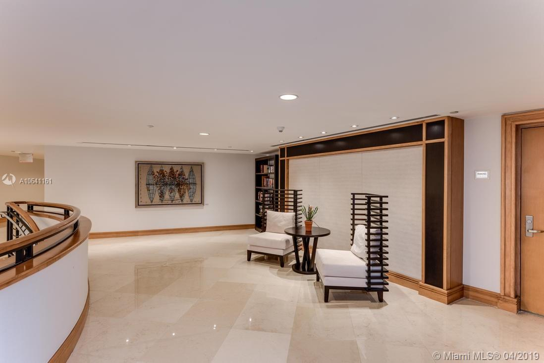 18911 Collins Ave #2204 photo020