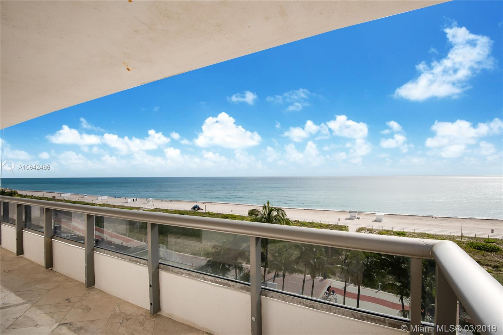 5801 Collins Ave #700 photo03