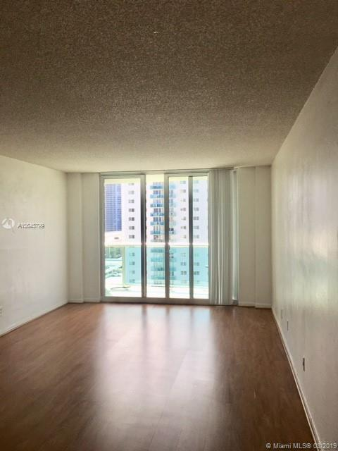 19370 Collins Ave #1108 photo05