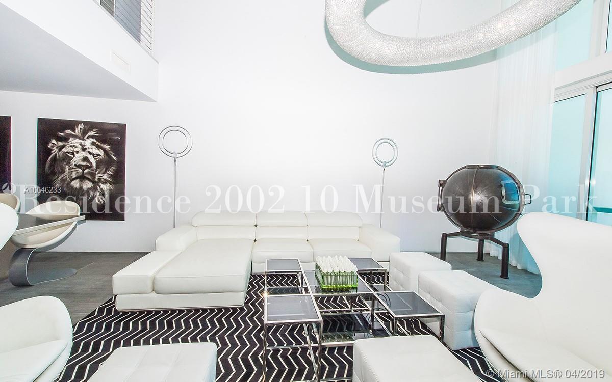 1040 Biscayne Blvd #2002 photo05