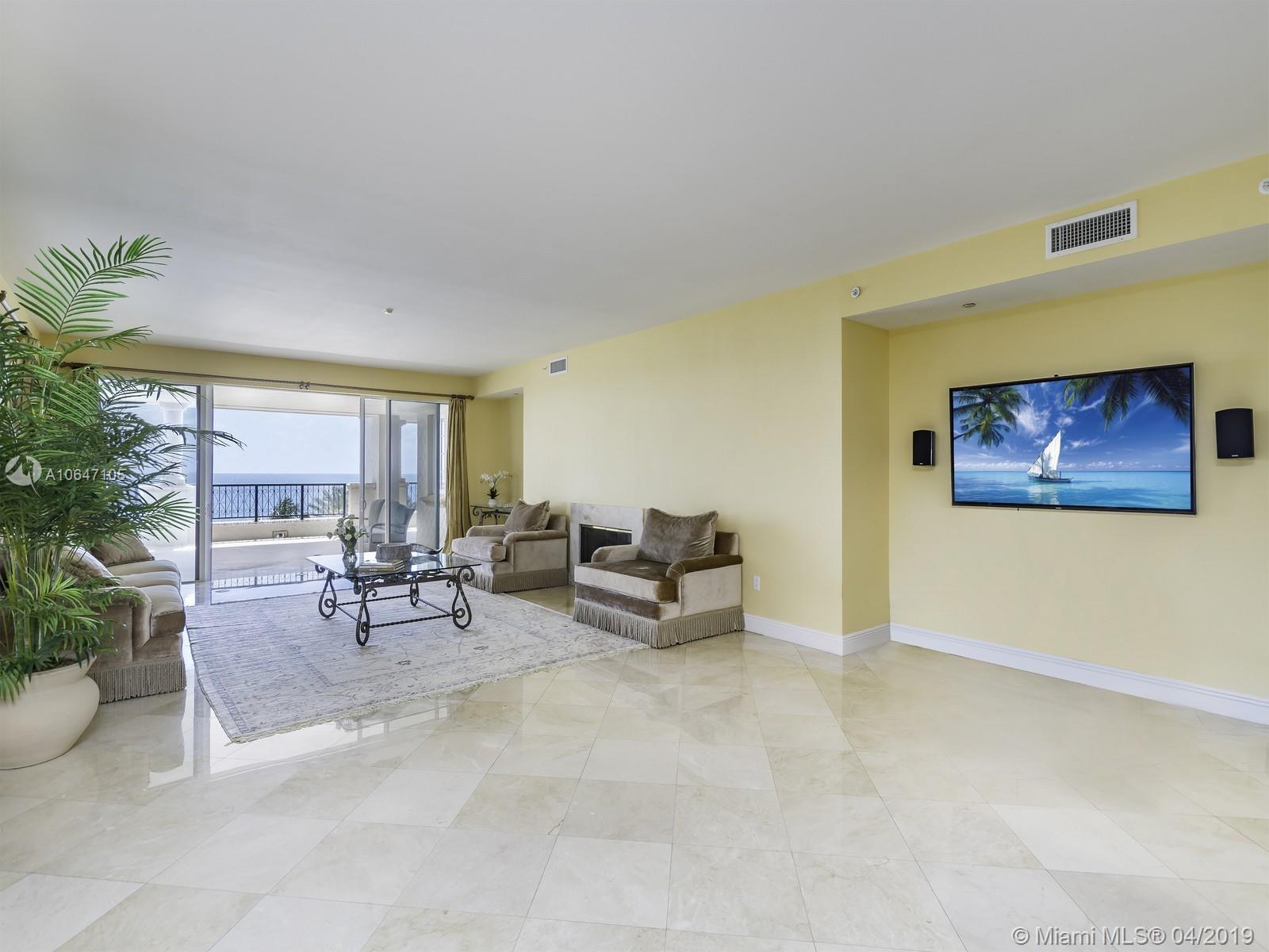 Аренда квартиры по адресу 7600 Fisher Island Dr, Fisher Island, FL 33109 в США