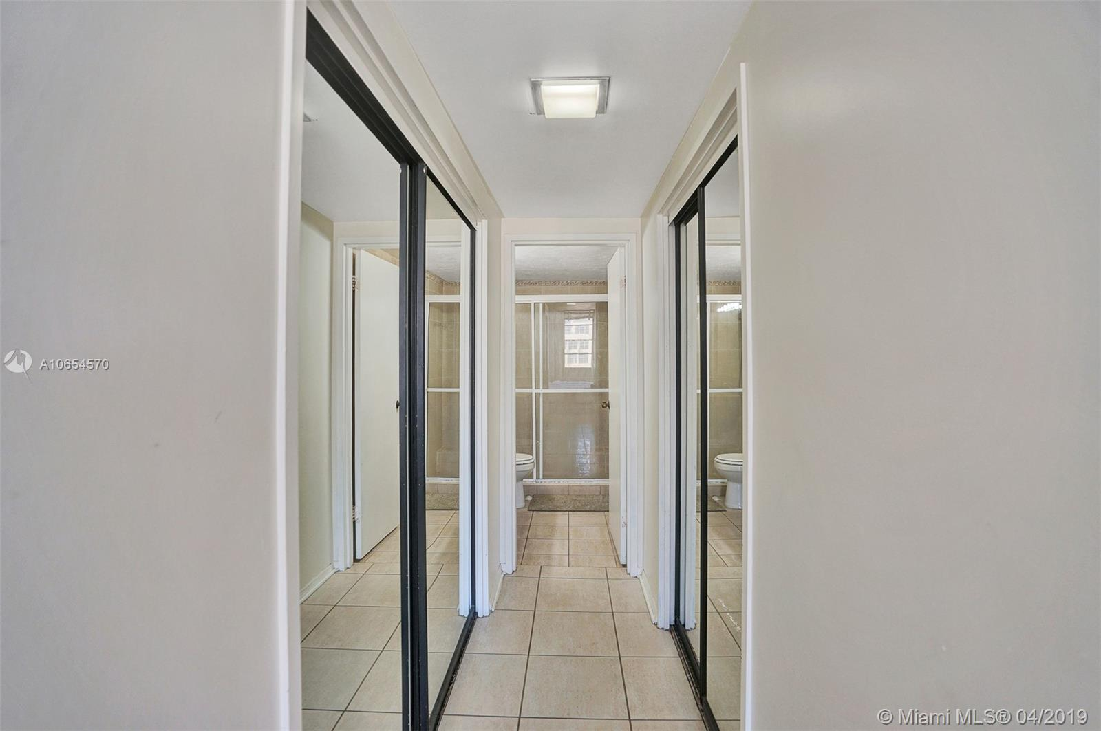 5601 Collins Ave #1215 photo020