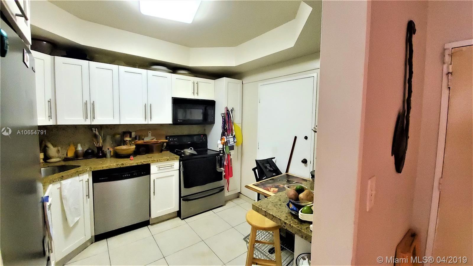 5601 Collins Ave #414 photo04