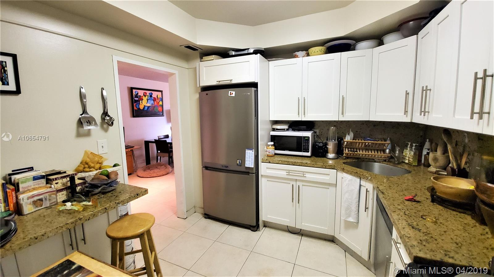 5601 Collins Ave #414 photo05