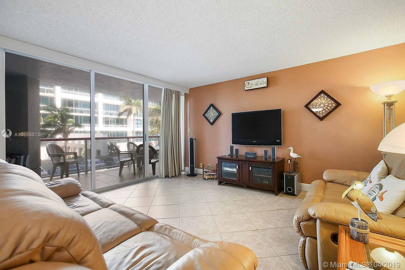 6767 Collins Ave #203 photo02
