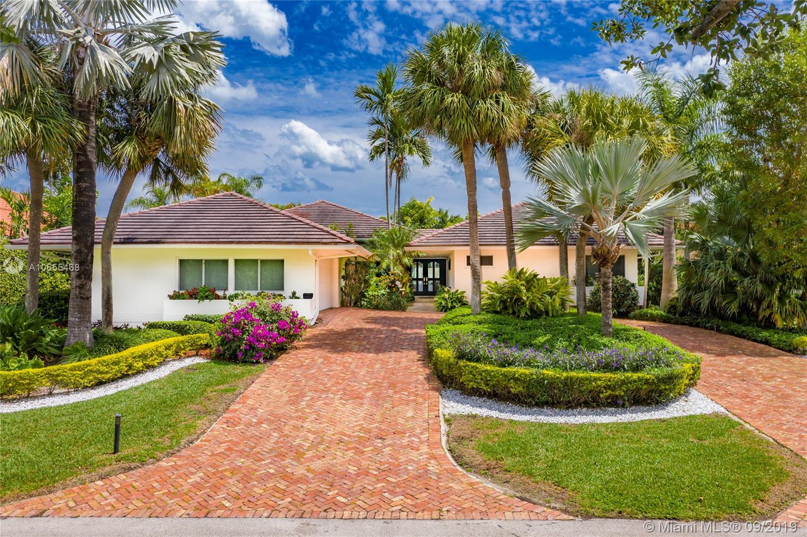 7161 E Lago Dr - Coral Gables, Florida