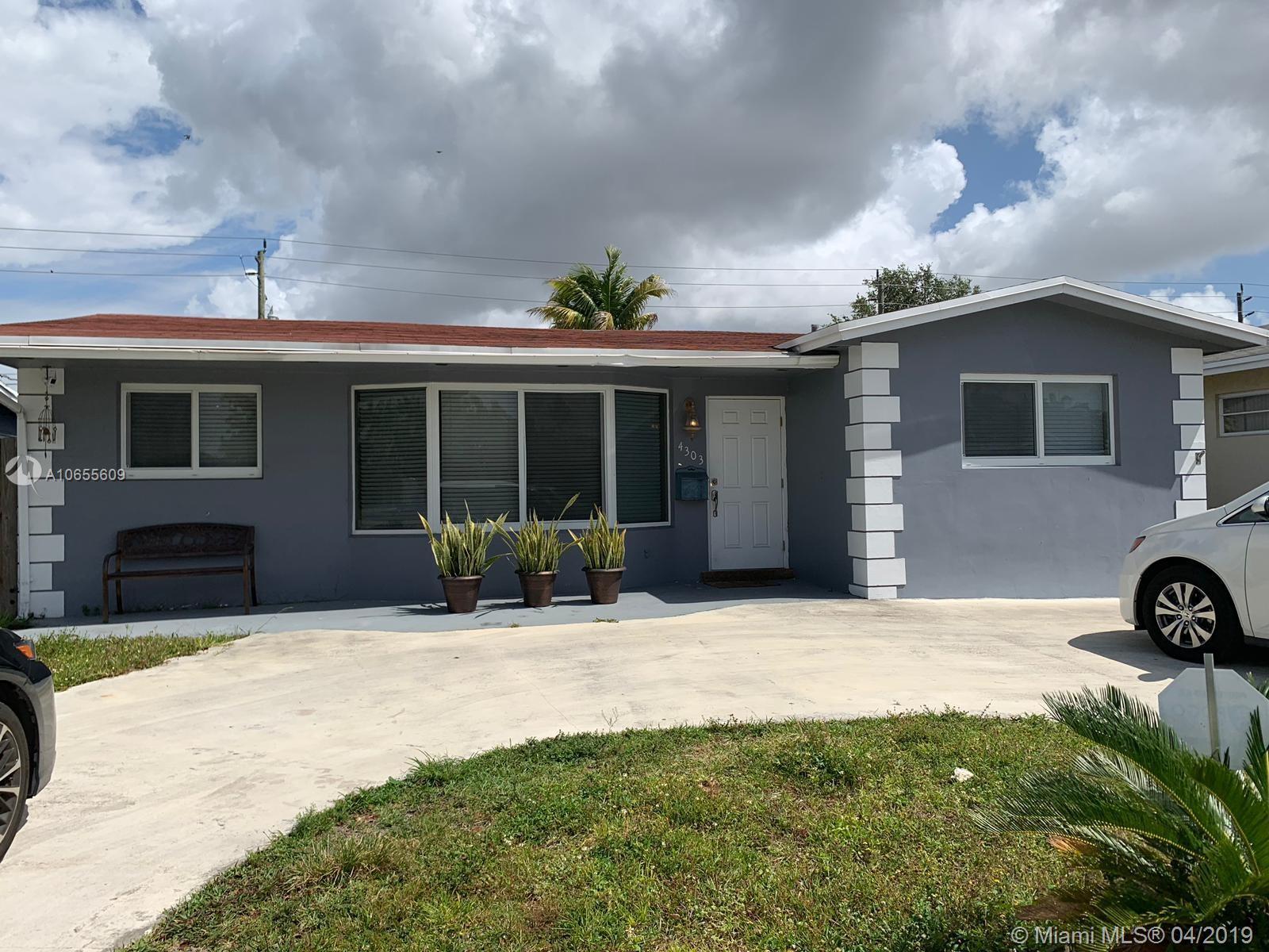 4303 Hayes St, Hollywood FL 33021