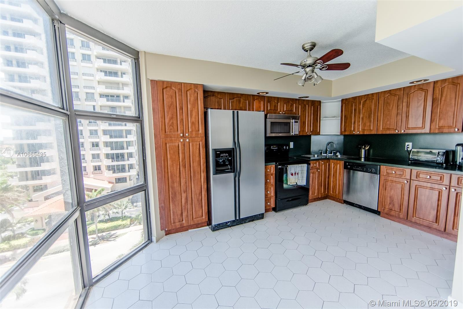 6423 Collins Ave #601 photo016