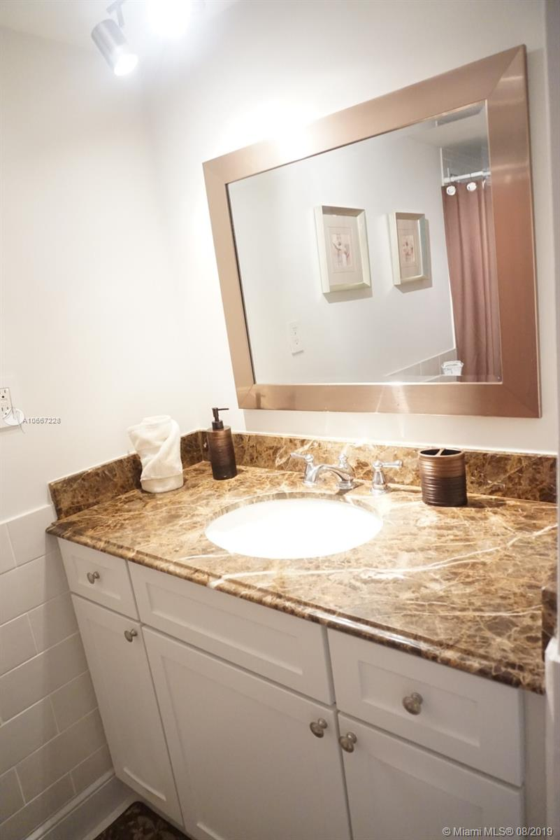 5161 Collins Ave #404 photo011