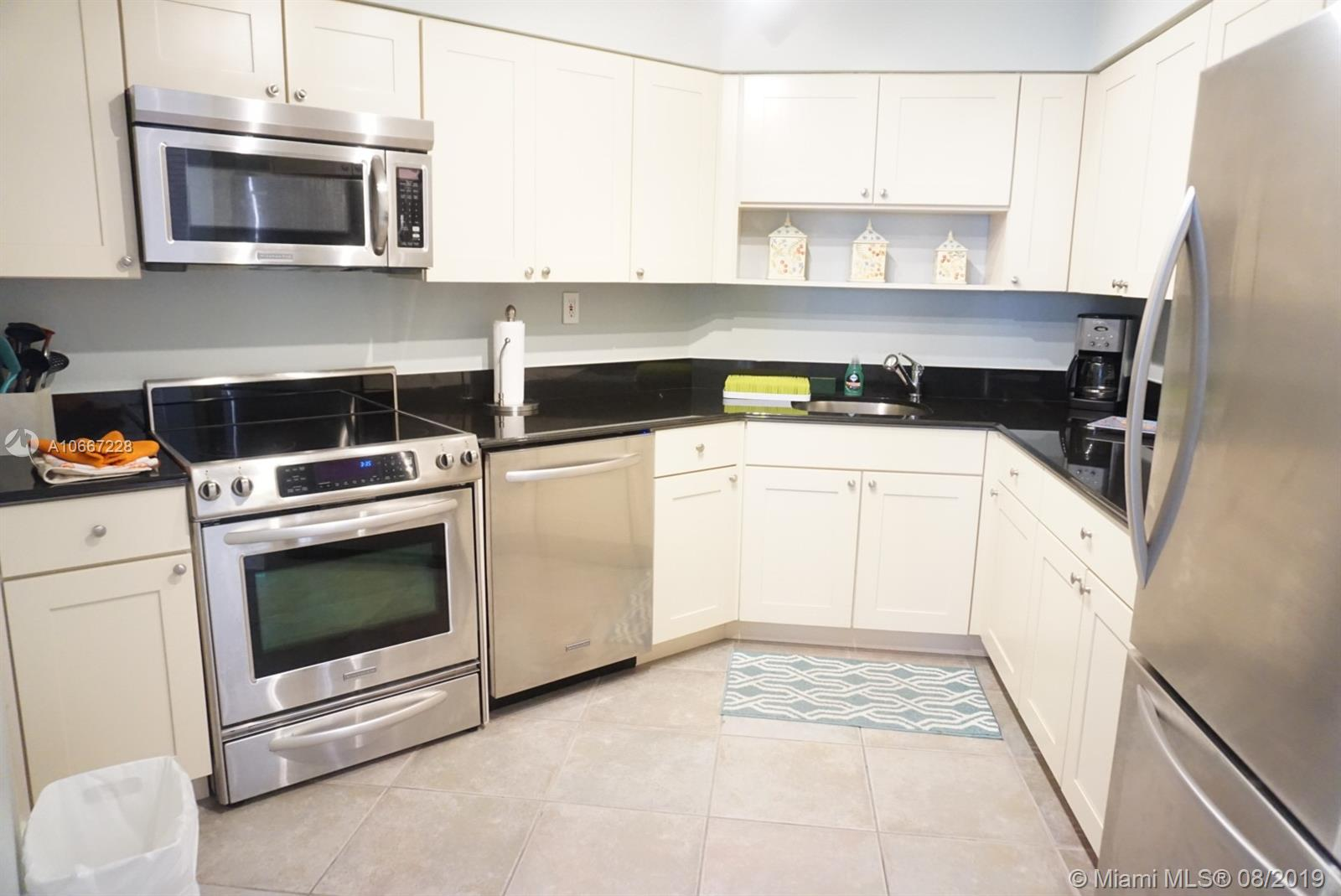 5161 Collins Ave #404 photo06