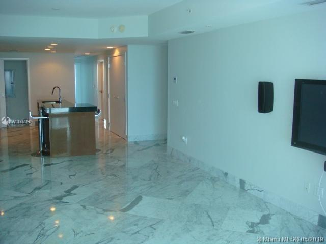 3801 Collins Ave #505 photo04