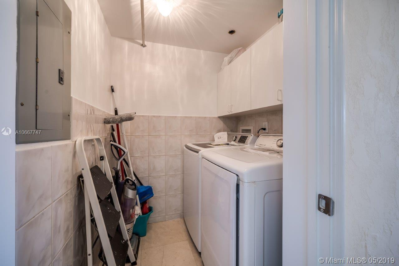 17555 Collins Ave #607 photo025