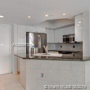 1800 Sunset Harbour Dr #1010 photo05