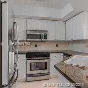 1800 Sunset Harbour Dr #1010 photo07