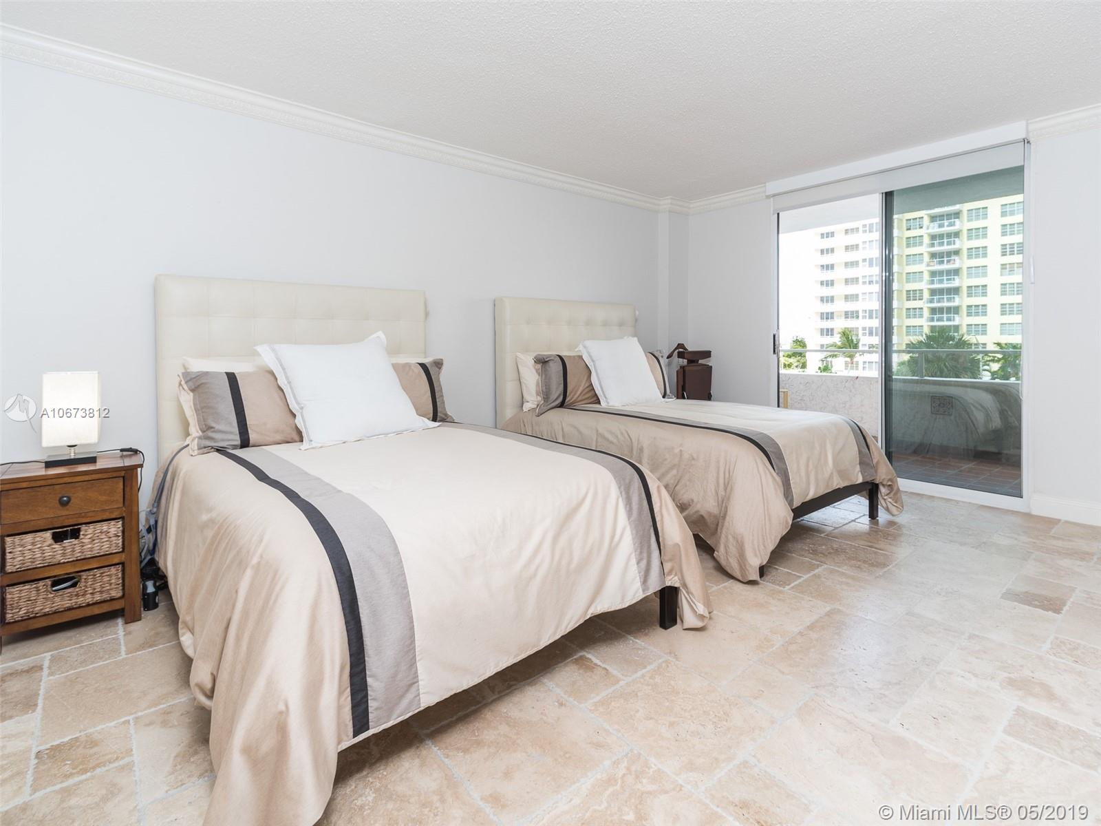 5555 Collins Ave #4Z photo07