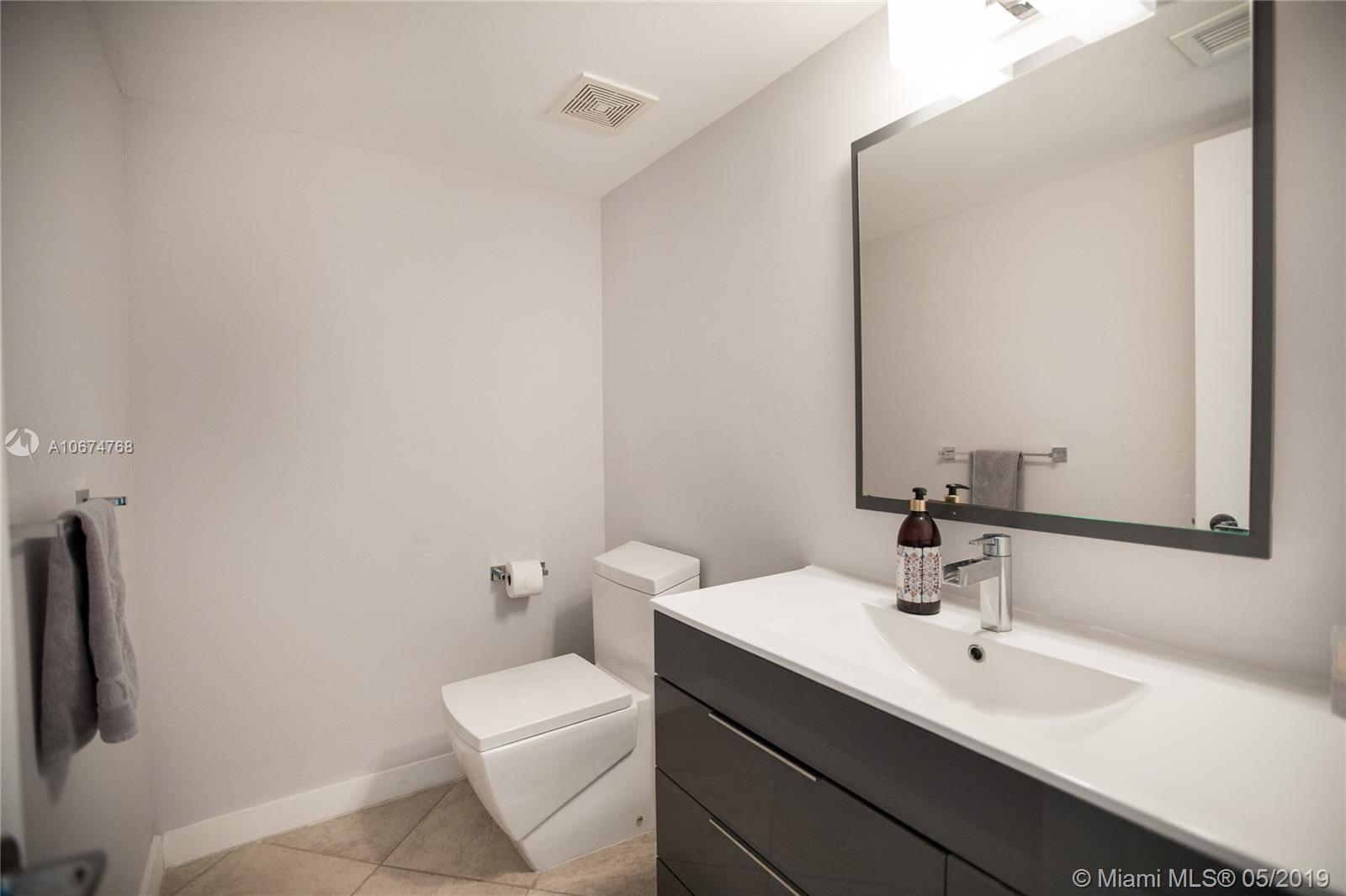 1800 Sunset Harbour Dr #1208 photo031