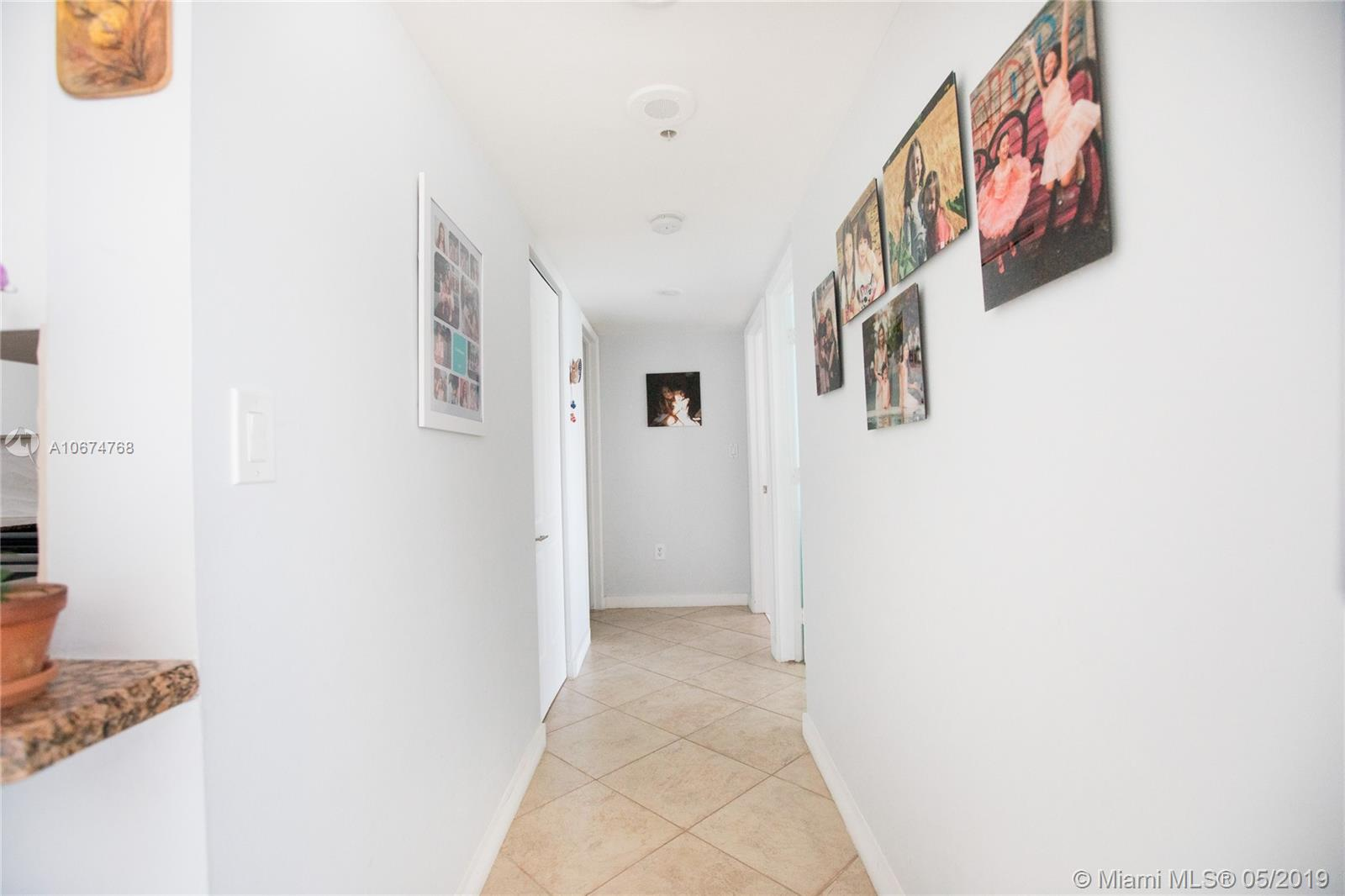 1800 Sunset Harbour Dr #1208 photo033