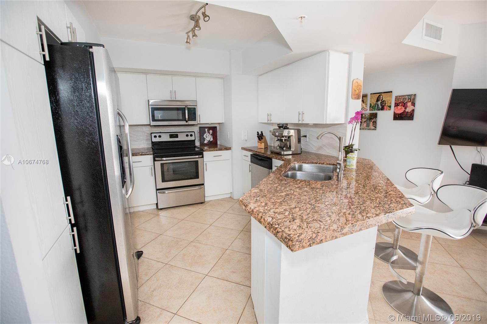 1800 Sunset Harbour Dr #1208 photo08