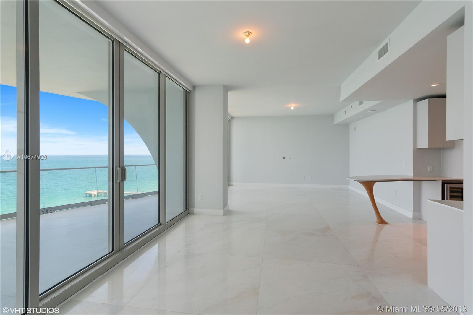 16901 COLLINS AVE #1802 photo03