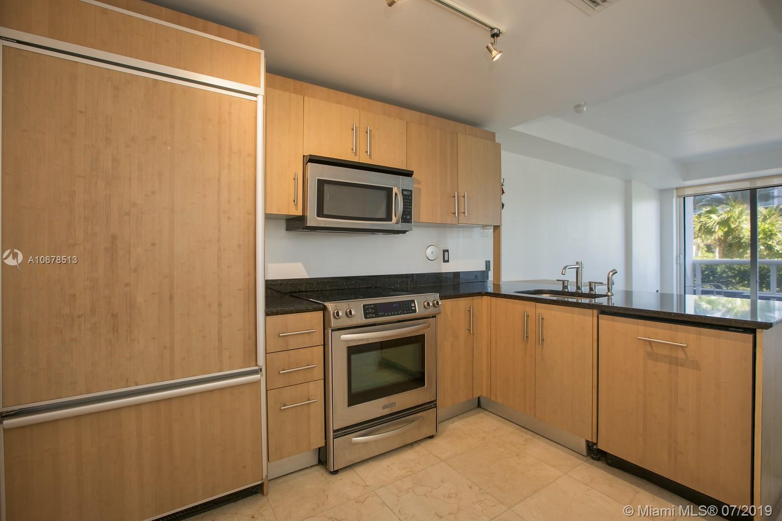 10275 Collins Ave #204 photo04
