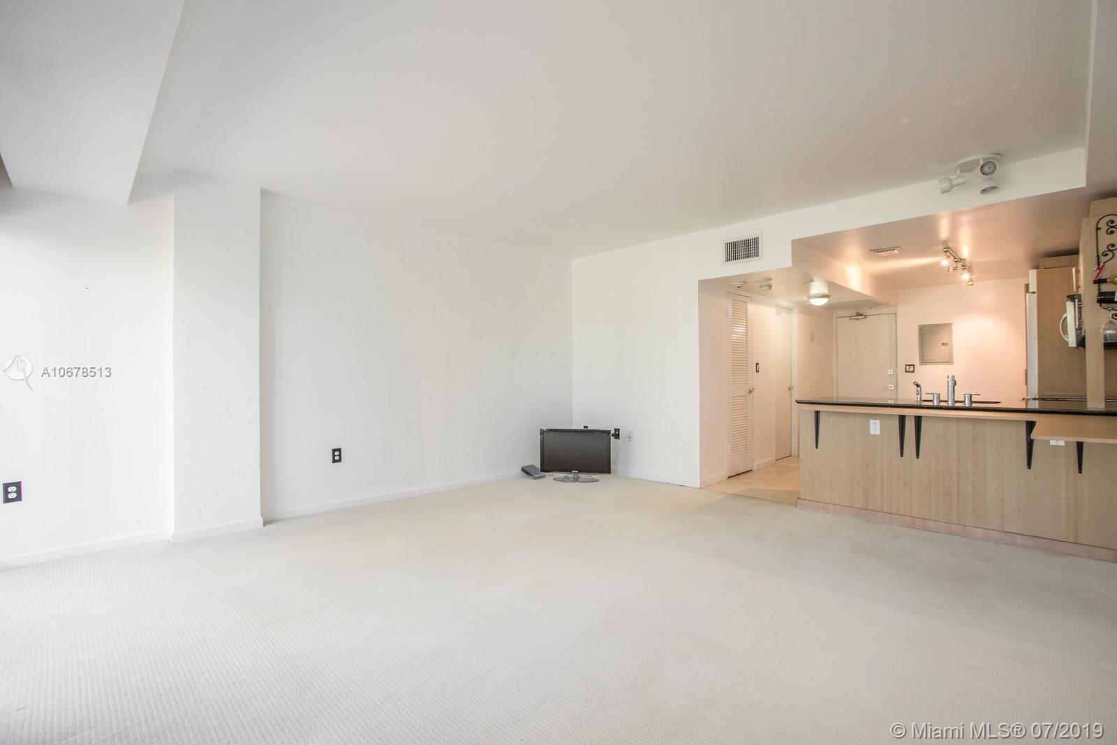 10275 Collins Ave #204 photo06