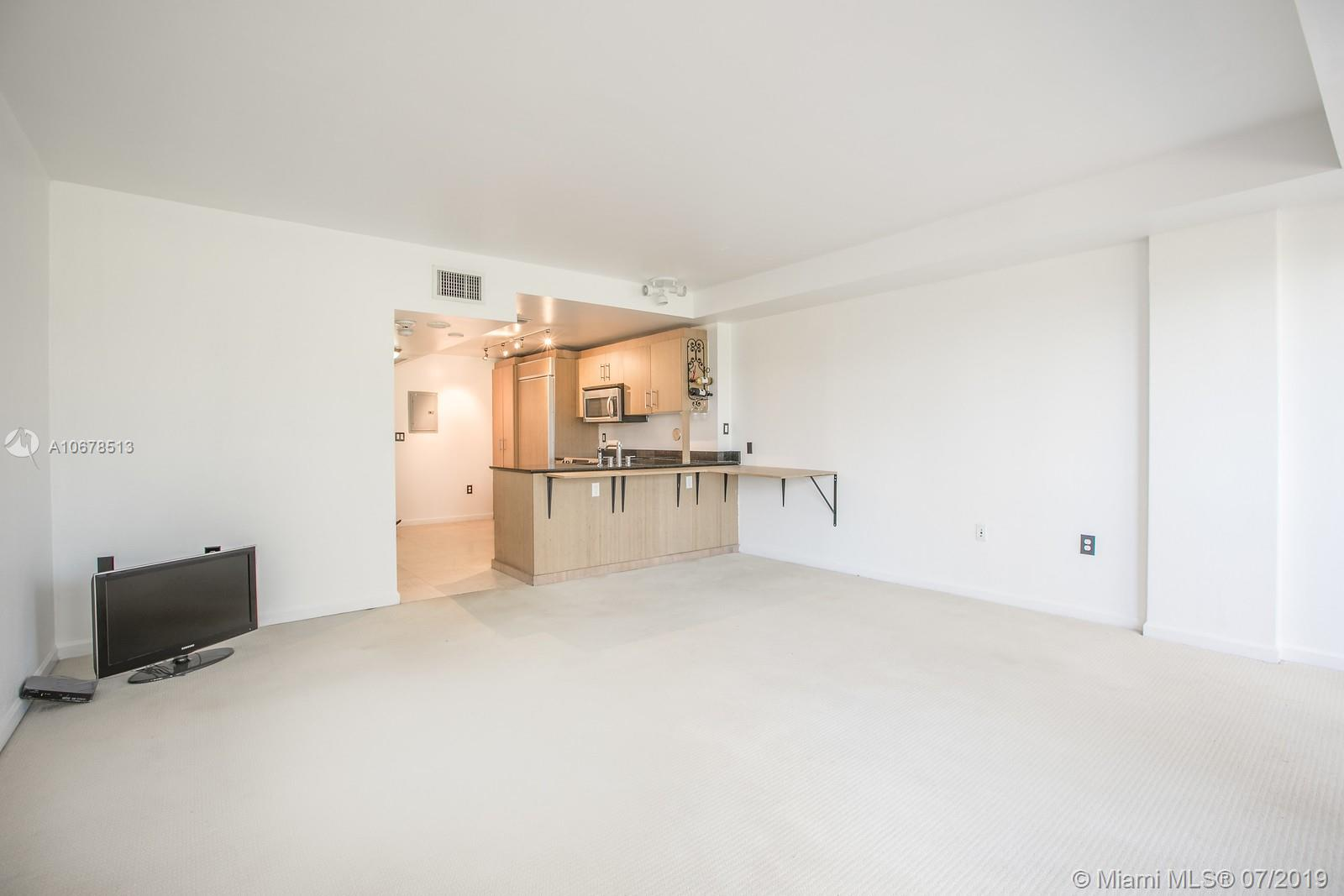 10275 Collins Ave #204 photo07
