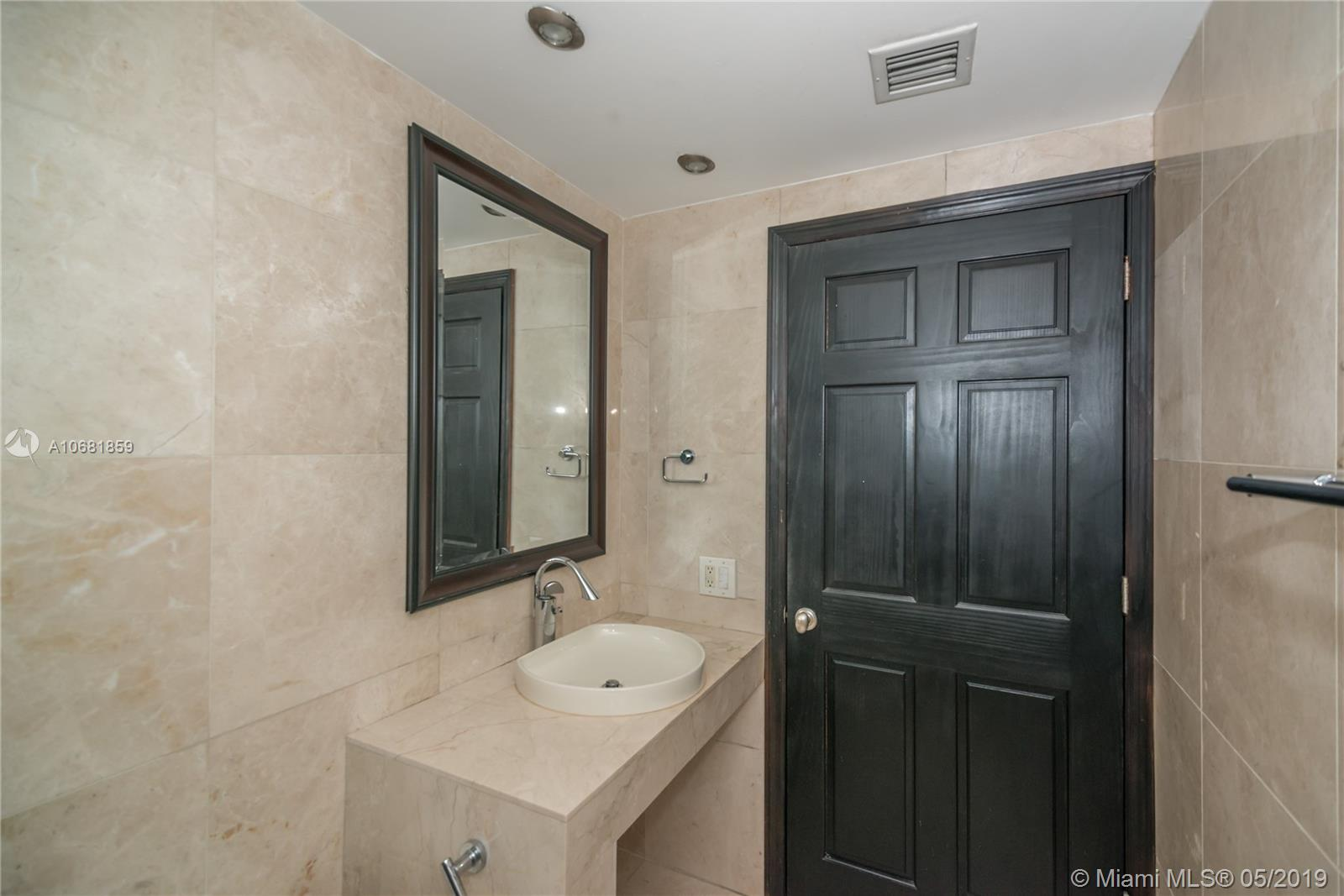 701 BRICKELL KEY BL #1411 photo017