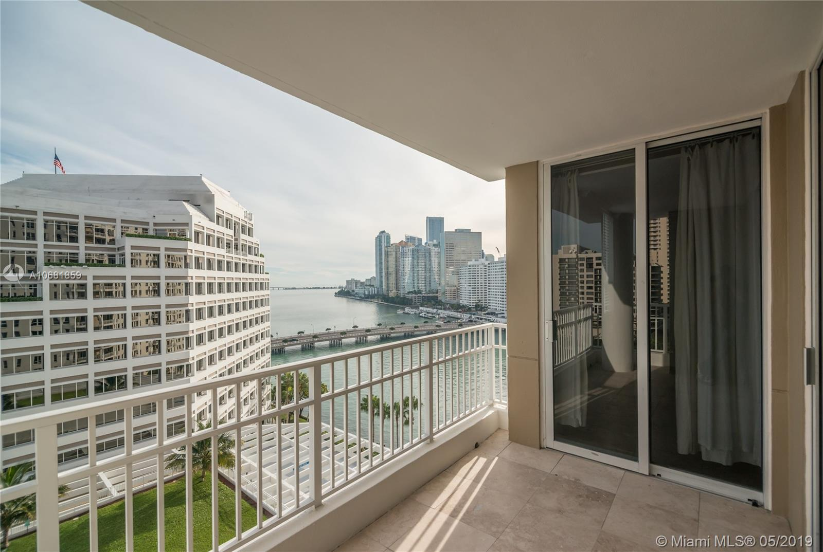 701 BRICKELL KEY BL #1411 photo02