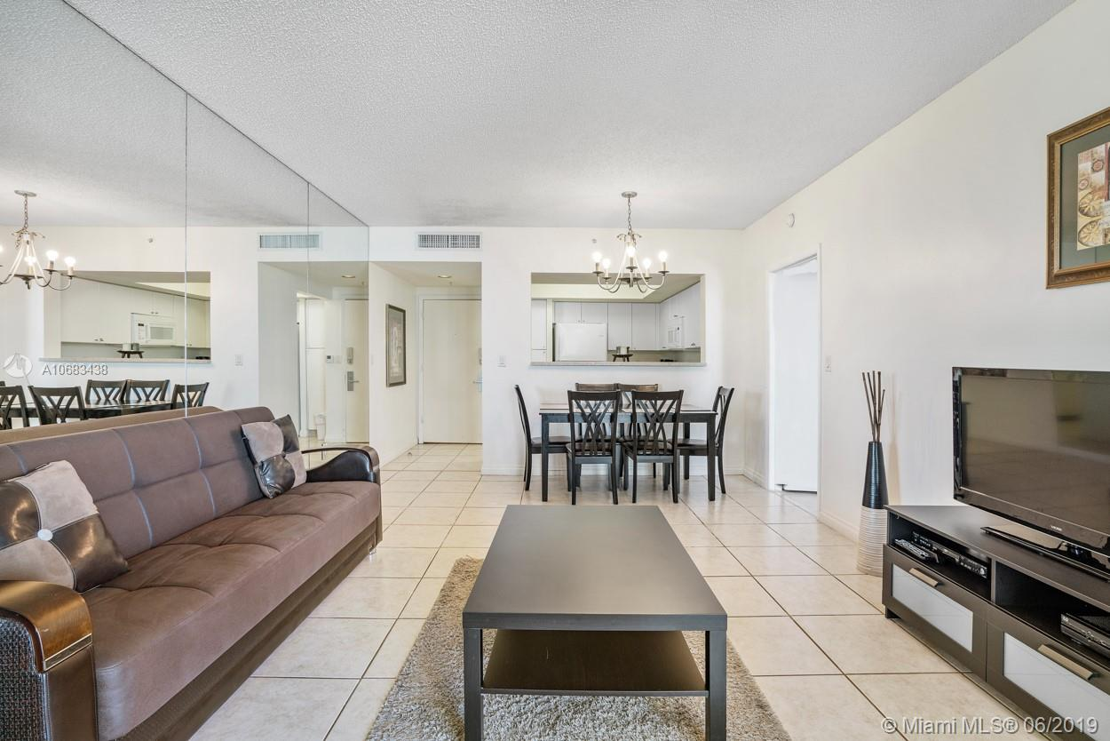 17375 Collins Ave #1103 photo02