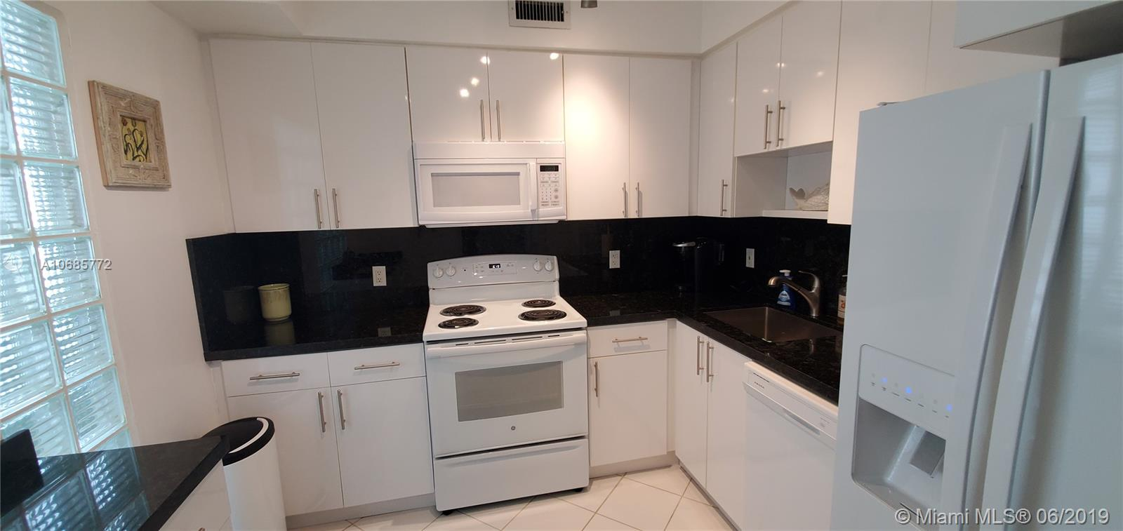 5333 Collins Ave #403 photo08