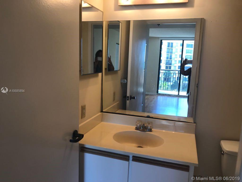 540 Brickell Key Dr #801 photo033