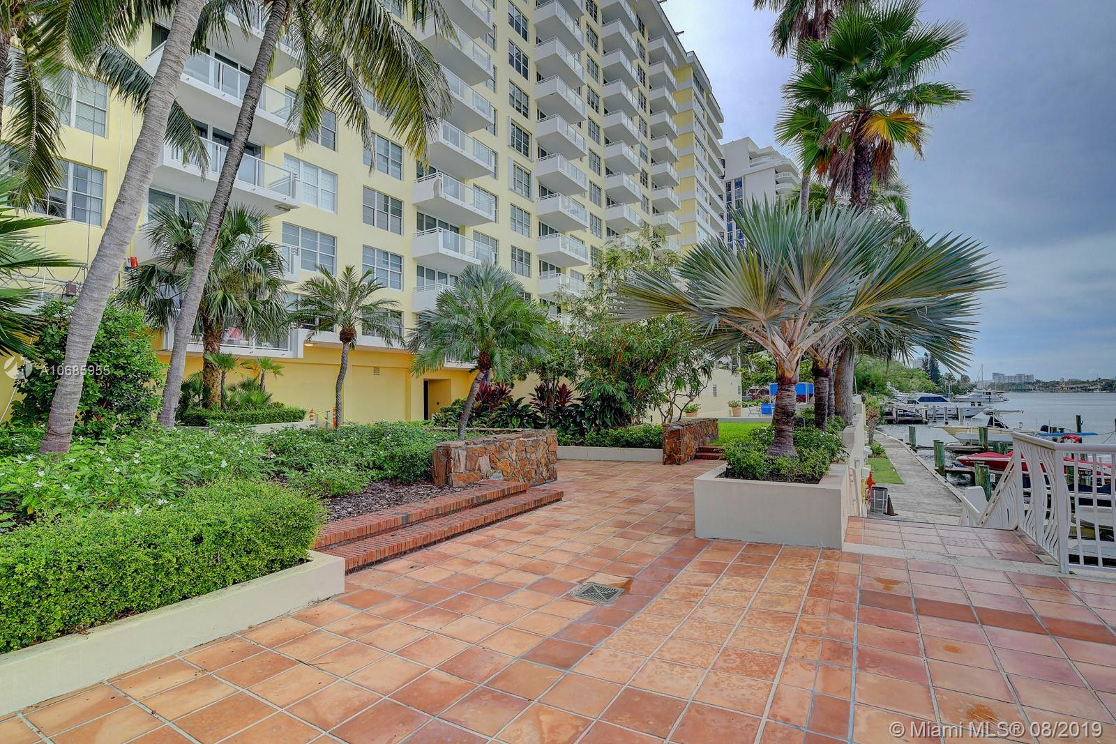 5600 Collins Ave #14T photo025