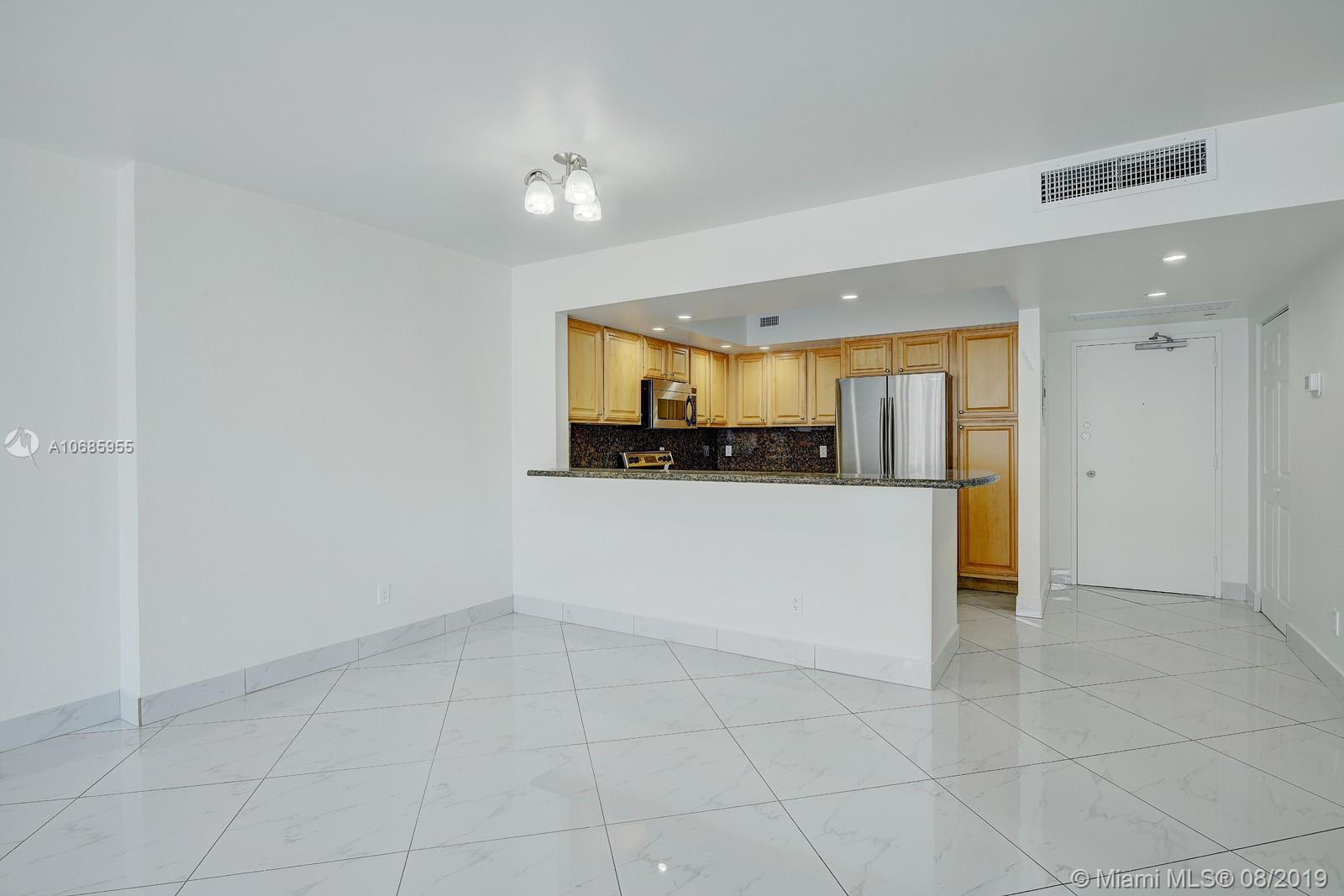 5600 Collins Ave #14T photo04