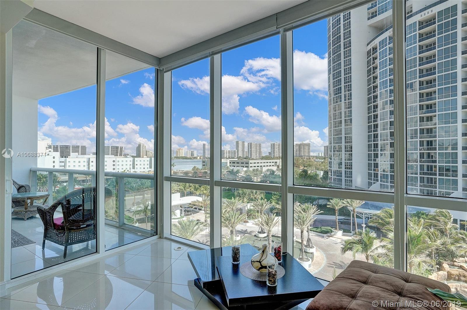18101 Collins Ave #808 photo011