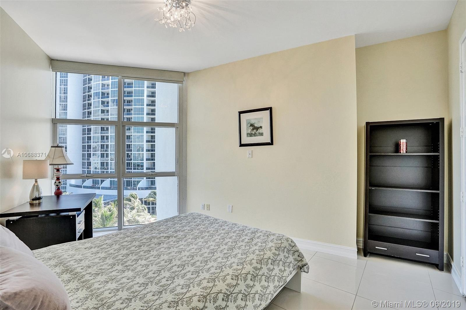 18101 Collins Ave #808 photo031
