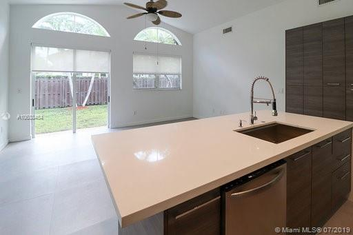10889 NW 58th Ter photo018
