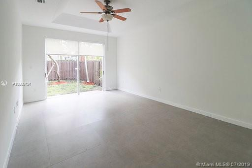 10889 NW 58th Ter photo019