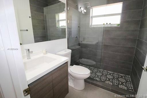10889 NW 58th Ter photo033