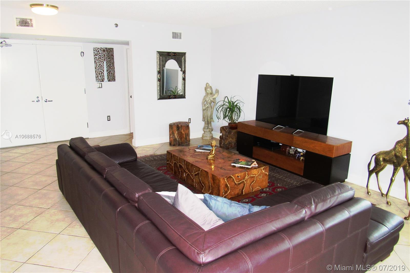 5900 Collins Ave #1601 photo021