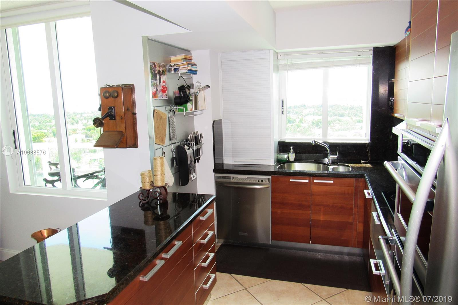 5900 Collins Ave #1601 photo027