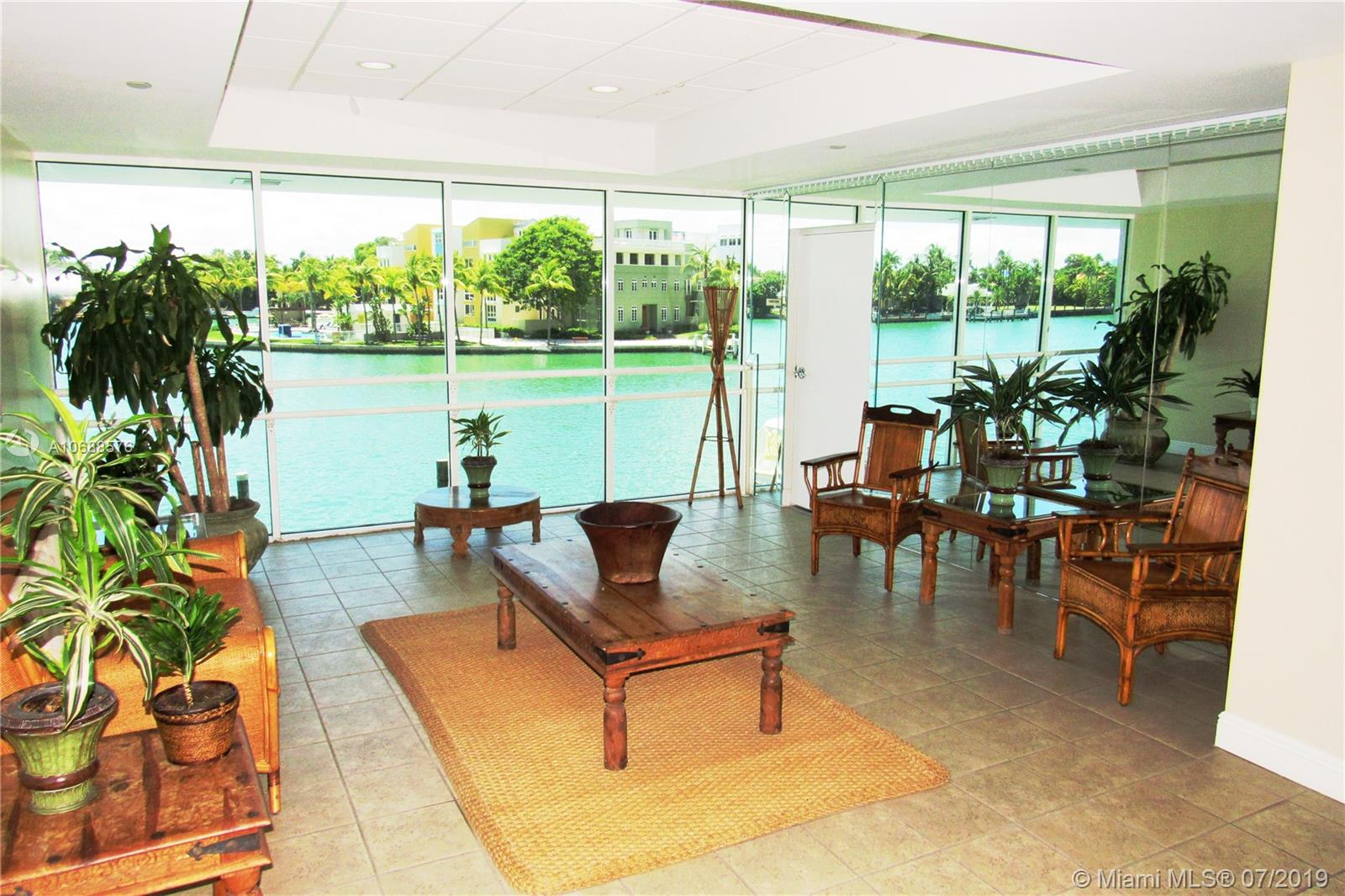 5900 Collins Ave #1601 photo03