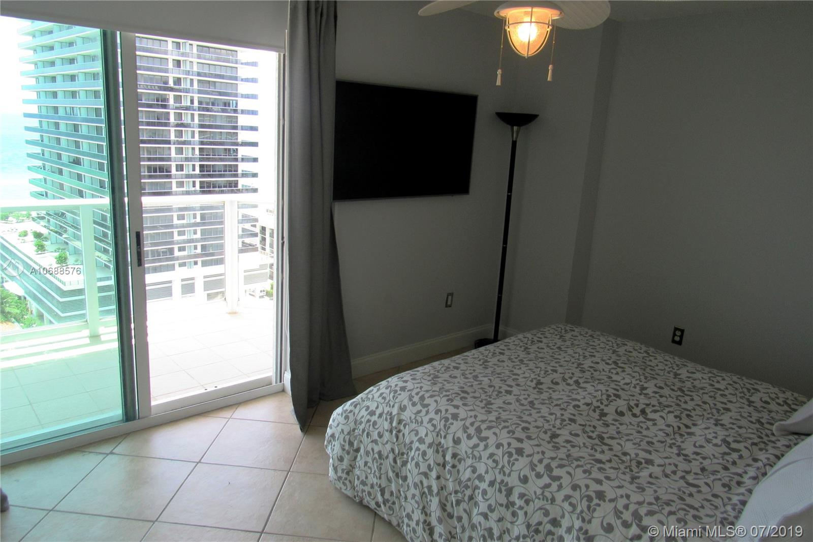 5900 Collins Ave #1601 photo040